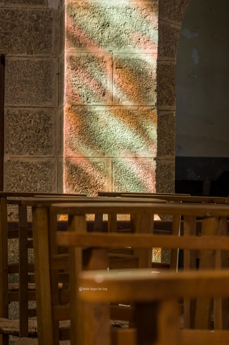 lumière vitrail église de Molène