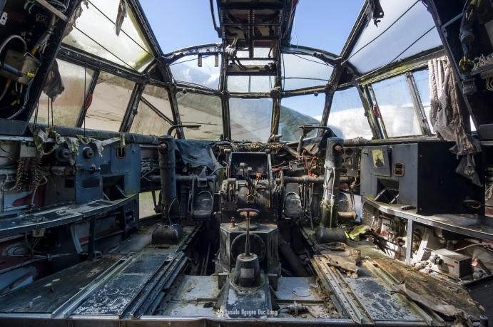 plane top gun intérieur cockpite 01 copie