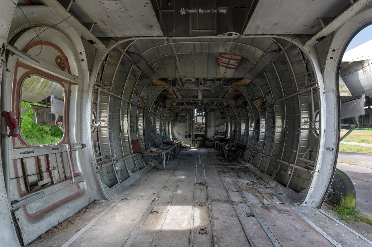 urbex - Top Gun - Planes, cimetière d'avions, cargo, Noratlas, fuselage