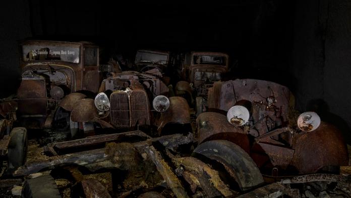 Trésors de Guerre voitures en fond de galerie facebook copie