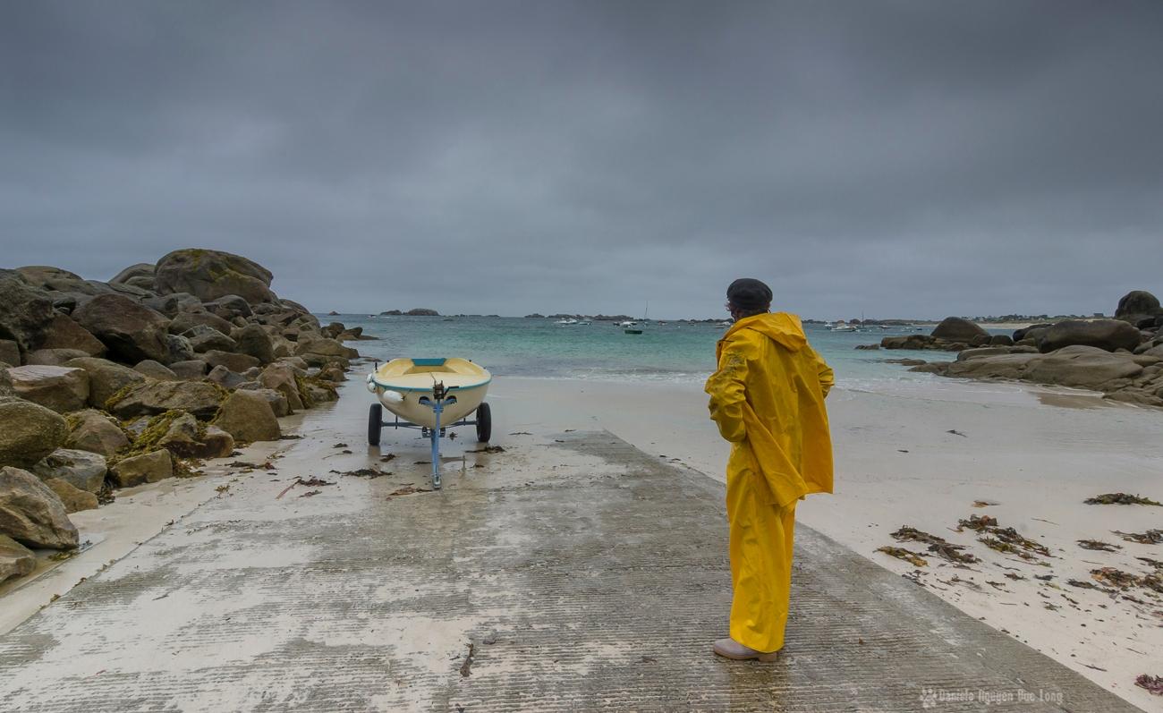 mauvais temps en Finistère, Bretagne, Ménéham, marin en ciré jaune, annexe