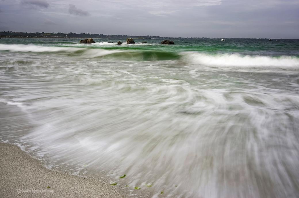 pose lente sur la plage de Neïz -Vran, Kerlouan, Finistère, Bretagne