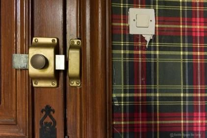 urbex château gargouilles tapisserie écossaise copie