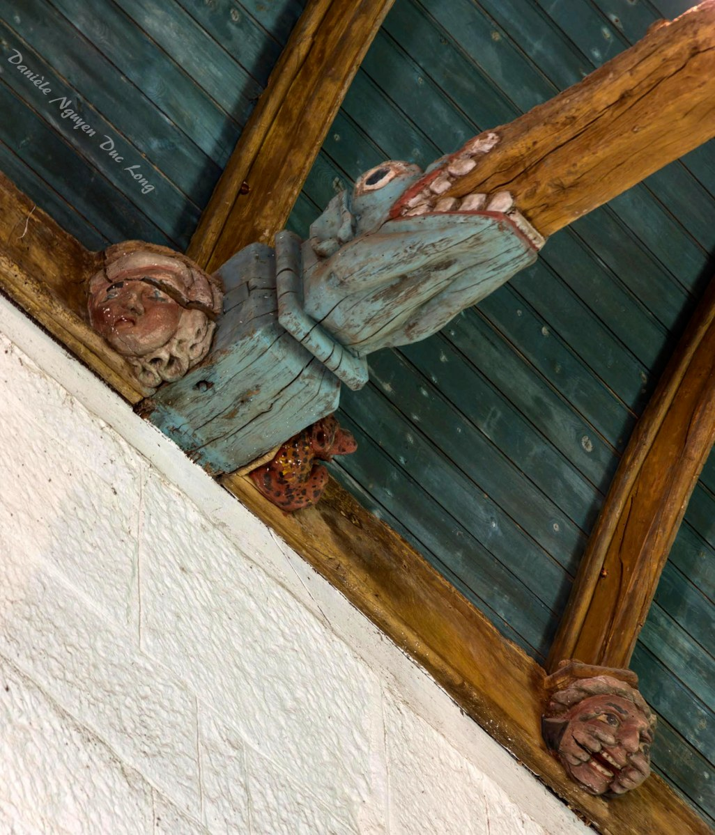 Chapelle Saint-fiacre Le Faouët, Bretagne, plafond, poutres décorées