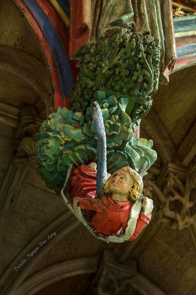 Chapelle Saint-fiacre Le Faouët, Bretagne, détail jubé en bois polychrome côté nef