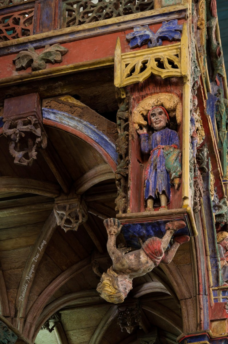 Chapelle Saint-fiacre Le Faouët, Bretagne, détail jubé en bois polychrome côté choeur