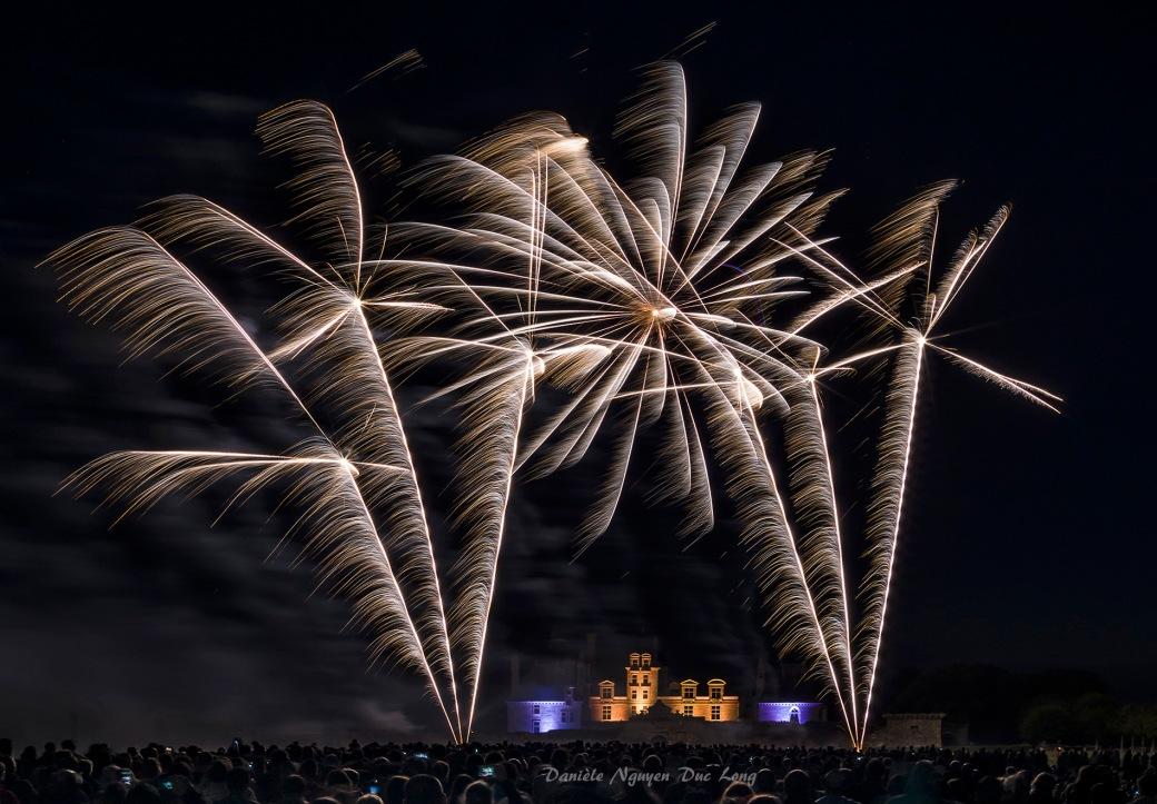 Feu d'artifice baroque au château de Kerjean, 400 ans de marquisat château de Kerjean, Saint-Vougay , Bretagne, Finistère, feu d'artifice,