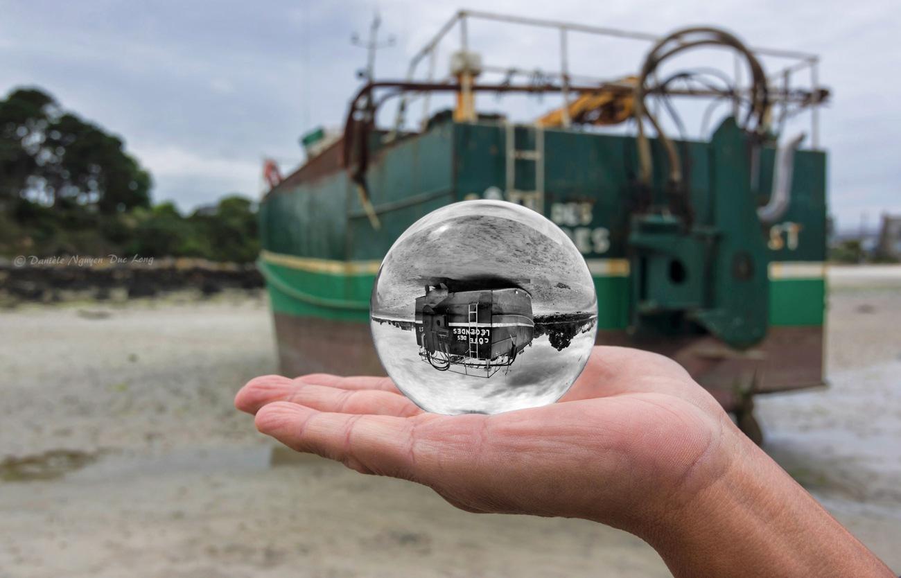 boule de cristal bateau côte des légende Korejou Plouguerneau