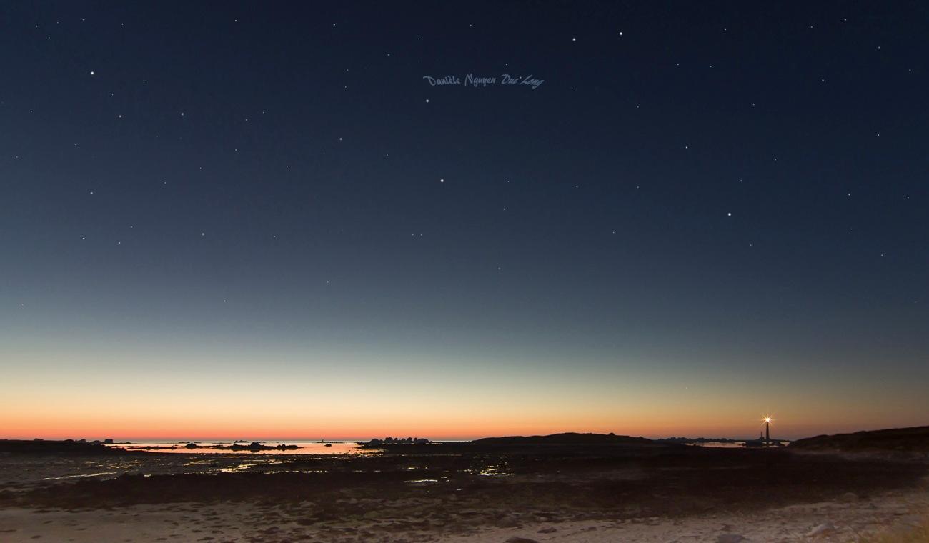 photo début de nuit entre l'île vierge et l'île Wrac'h, Lilia, Plouguerneau, Bretagne, Finistère